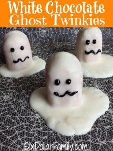 Looking for a spooktacular treat that won't take all day? These white chocolate ghost Twinkies are the perfect addition to your Halloween party and more! They're a quick, easy and tasty Halloween recipe that you will adore!