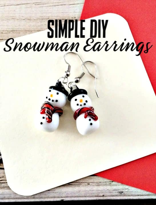DIY Snowman Earrings Christmas Idea - If you love snowmen, you'll adore these homemade snowmen earrings! They're so easy ANYONE can make them! Just a couple of steps and you have an adorable pair of homemade Christmas earrings! Great Christmas gift idea too!