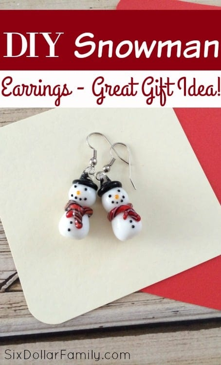So cute! These DIY Snowman Earrings are the perfect  stocking stuffer or homemade Christmas gift! They're easy to make, budget friendly and soooo cute!
