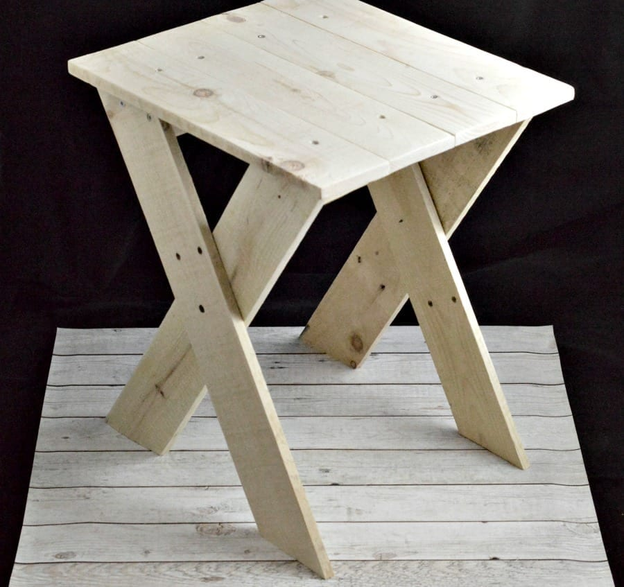 pallet-project-upcycled-pallet-table-fb