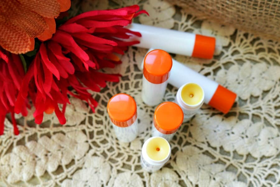 homemade-lip-balm-how-to-make-diy-lip-balm-6